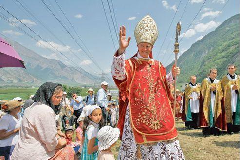 MgrBernard Fellay, le 29 juin dernier lors d'une cérémonie d'ordination à Écône, en Suisse.