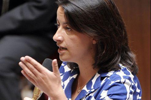 La ministre du Logement fait l'objet de moqueries à cause d'une robe estivale de la part de députés UMP.
