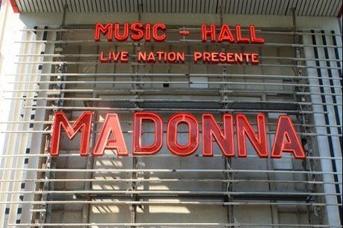 Madonna a donné un concert surprise de 45 minutes, jeudi soir à l'Olympia.