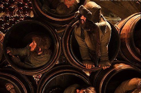 Les hobbits tentent de fuir un danger en se cachant dans des tonneaux. (DR)