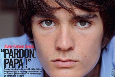 Alain-Fabien Delon, fils d'Alain Delon, demande pardon à son père dans VSD. (Capture VSD.fr)