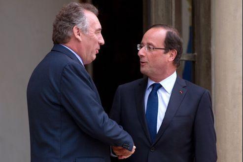 «Nous n'avons pas quitté l'ombre tutélaire de l'UMP pour aller sous l'ombre tutélaire du PS», a dit François Bayrou, en privé.