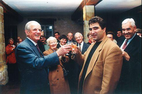 Christian Jacob avec Alain Peyrefitte, à Provins, le jour de son électionà la législative partielle de décembre 1995.