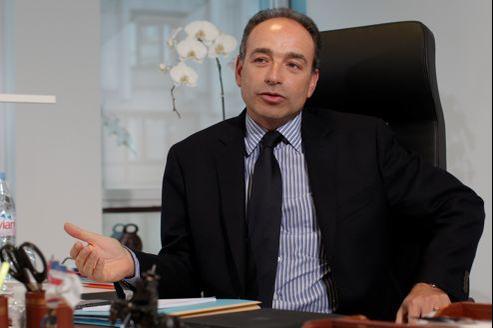 «Le président de la République devrait revenir à Paris», estime Jean-François Copé.
