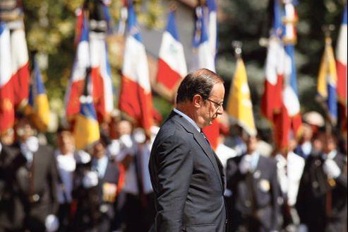 François Hollande rend hommage au 88e soldat français mort en Afghanistan, samedi à Varces, en Isère.