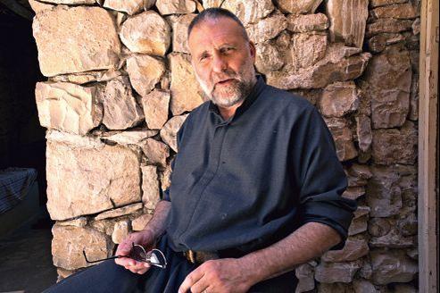 Père Paolo Dall'Oglio: «La Syrie a dans son ADN une harmonie plurielle entre ses communautés, qui est unique au monde. Le régime a d'abord joué de cette carte, il en a vite fait un instrument de pouvoir, et l'a vidée de sa substance.»