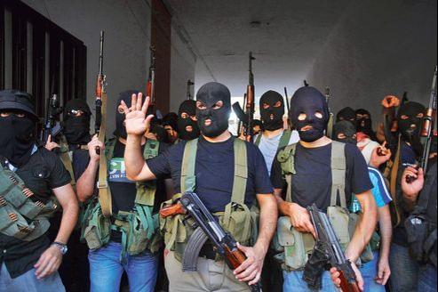 Des miliciens chiites du clan al-Mouqdad ont annoncé, jeudi, depuis leur QG dans la banlieue de Beyrouth, détenir un ressortissant turc et une vingtaine de Syriens en représailles après la captivité d'un des leurs aux mains de la rébellion syrienne.