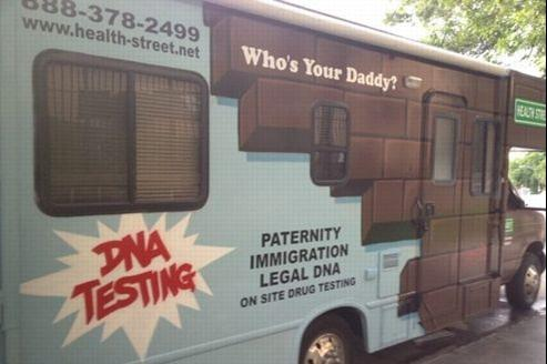 Le van «Who's Your Daddy?» à New York. Crédit Twitter @KennyBee