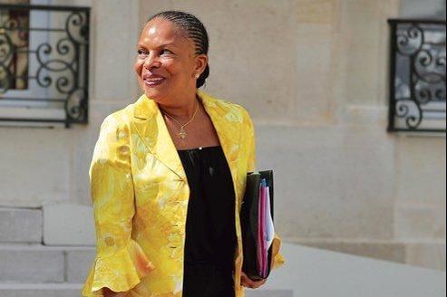 La garde des Sceaux, Christiane Taubira, mercredi à la sortie du Conseil des ministres.