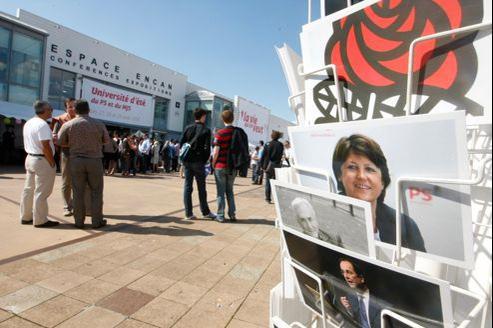 Ambiance parmi les militants lors de l'université d'été du PS, en août 2011.