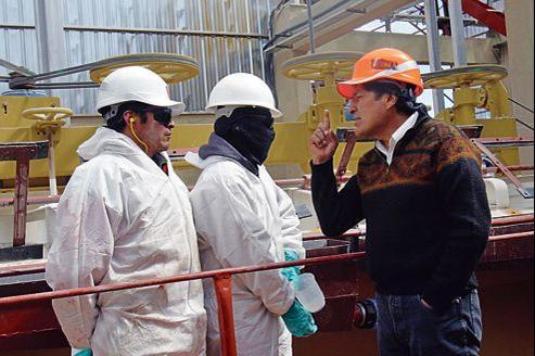 Le président bolivien Evo Morales sur le site minier d'Uyuni, la plus grande réserve de lithium actuellement en exploitation.