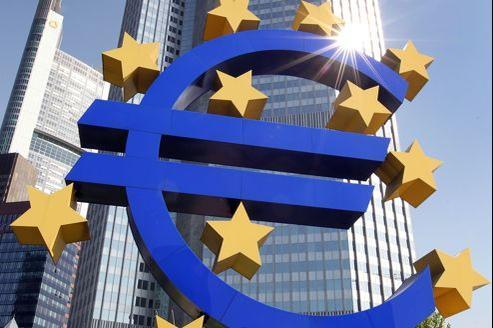 Michel Barnier souhaite que la BCE commence par devenir, à partir de janvier2013, le gendarme des banques faisant l'objet d'un soutien public via le mécanisme de solidarité.