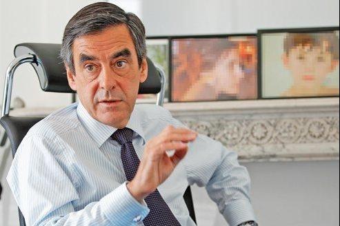 François Fillon, ancien premier ministre, député de Paris, et candidat à la présidence de l'UMP, dans son bureau à l'Assemblée nationale.