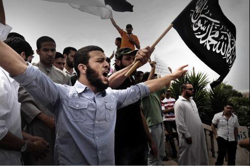 Manifestation de salafistes contre un homme accusé de blasphème envers le Prophète, en juin à Tunis.