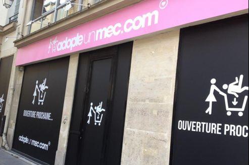 La boutique éphémère d'AdopteUnMec.com à Paris, dans le Ier arrondissement (Crédits: Adopteunmec.com)