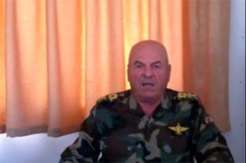 Le général Adnan Sillu aurait décidé de faire défection après une réunion lors de laquelle l'utilisation des armes chimiques contre les rebelles et les civils aurait été évoquée.