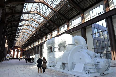 La Cité du cinéma est installée à la Plaine-Saint-Denis, près de Paris, dans une ancienne centrale électrique d'EDF construite en 1933.