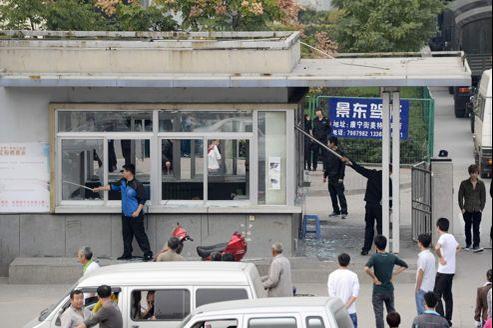 Foxconn rouvre une usine en Chine après une rixe géante
