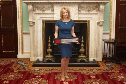 J.K. Rowling publie son nouveau roman, Une place à prendre.
