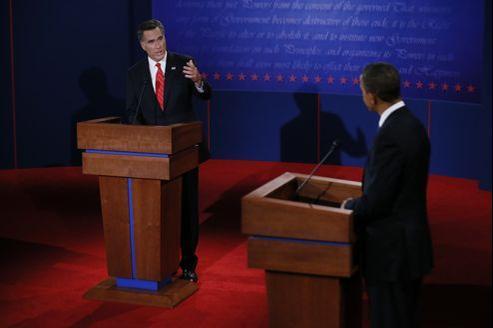 Mitt Romney et Barack Obama, mercredi soir à Denvers.