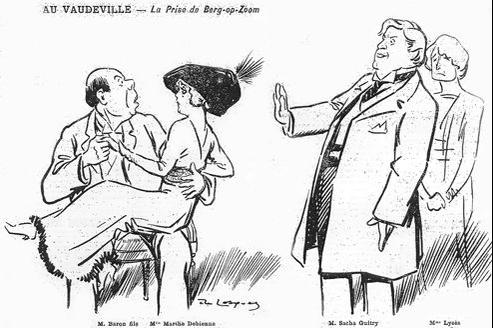 Sacha Guitry (2e en partant de la droite), en compagnie des acteurs de sa pièce La Prise de Berg-Op-Zoom, lors de la première du spectacle au théâtre du Vaudeville, le 4 octobre 1912. À droite, sa première femme, Charlotte Lysès.