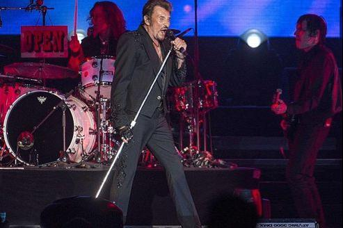 Johnny Hallyday rallume le feu à Montréal