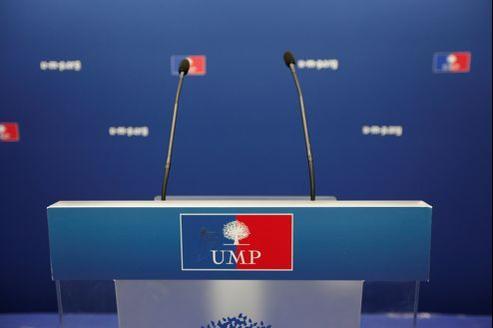 Les statuts de l'UMP, établis en 2002, prévoient la création de mouvements au sein du parti.