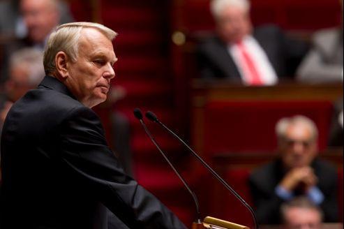 Jean-Marc Ayrault, à la tribune de l'Assemblée nationale, le 2 octobre, lors du débat sur le traité européen.
