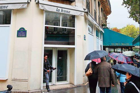 L'ancien site de la librairie La Hune, au 170boulevard Saint-Germain, accueillera l'espace culturel de la maison Vuitton, du 19octobre au 31décembre.