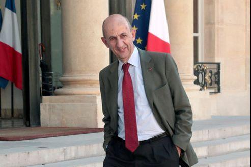Louis Gallois, fin juin sur le perron de l'Élysée. Plus tôt dans le mois, l'ex-président d'EADS a été nommé à la tête du Commissariat général à l'investissement.