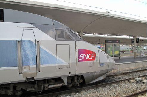 Les voyageurs pointent le manque de ponctualité de la SNCF.