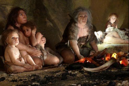 Reconstitution d'une famille d'hommes de Neanderthal en Croatie (Illustration).