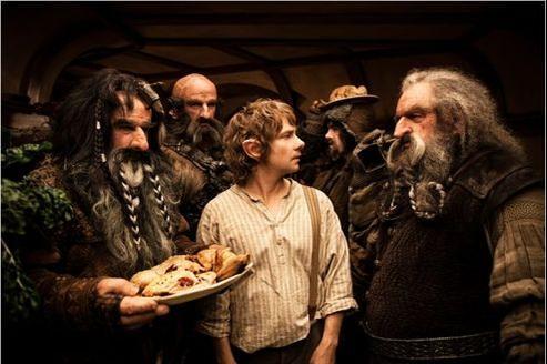 Entre 1995 et 2011, l'adaptation cinématographique de The Hobbit a connu bon nombre d'obstacles juridiques et de réalisation.