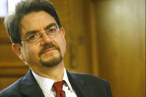 Bernard Candiard, ancien directeur général du Crédit municipal de Paris, conseiller en communication de Jean-Marc Ayrault.