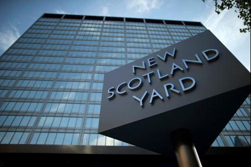 Les bureaux de la police londonienne ont été surnommés «New Scotland Yard» après un premier déménagement.