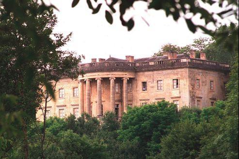 Le château de Rastignac offre une similitude presque parfaite avec la Maison-Blanche.
