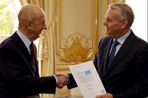 L'ancien patron d'EADS, Louis Gallois, a remis ce matin son rapport sur la compétitivité au premier ministre, Jean-Marc Ayrault.