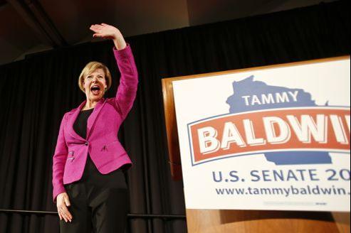 Tammy Baldwin lors de son discours mardi soir à Madison, dans le Wisconsin. Crédits photo: Andy Manis/ AP Photo .