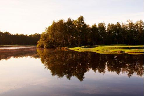 Dès son ouverture, en 1987, Les Bordes a fait le buzz. À l'époque, le baron Bich était le premier grand patron à s'offrir un golf sur ses terres de chasse.