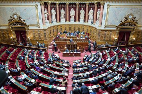 Le rapport Jospin recommande «que les parlementaires (députés et sénateurs) n'exercent aucun mandat exécutif local à compter des prochaines élections locales».