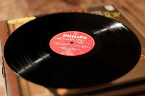Aujourd'hui, le disque vinyle est plus tendance que jamais, après avoir été détrôné dans les années 80 par l'explosion du compact disc.