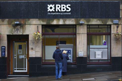 Après les sauvetages de 2008, les pouvoirs publics détiennent toujours 81% de RBS et 39,6% de Lloyds.
