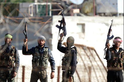 Des opposants au régime de Bachar el-Assad contrôlent un point stratégique à la frontière entre la Turquie et la Syrie.