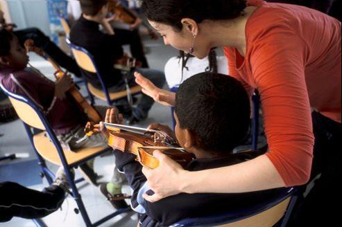 L'Orchestre des jeunes Demos, projet d'éducation musicale et orchestrale rassemblant 450 jeunes âgés de 7 à 12 ans sans pratique musicale antérieure.