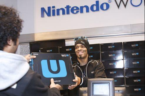 Un des premiers acheteurs de la Wii U, à New York.