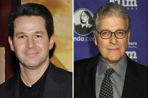 Simon Kinberg (à gauche) et Lawrence Kasdan (à droite) vont travailler sur les épisodes VIII et IX de Star Wars. (AP).