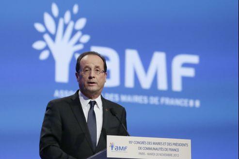 François Hollande mardi devant le 95e congrès des maires.