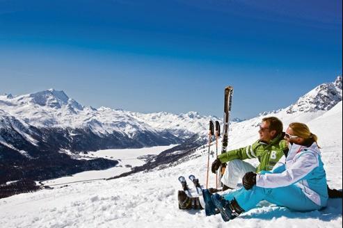 Les forfaits ski sont à la baisse, comme ici, sur les pistes de Saint-Moritz, dans les Grisons.