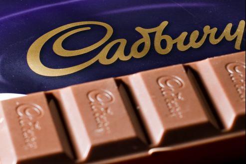 Les chercheurs de Cadbury ont obtenu ces résultats en raffinant à plusieurs reprises le chocolat après l'étape du conchage.