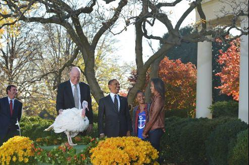 Au moment du «pardon», Barack Obama, encadré de ses filles un peu nerveuses, s'approche de Cobbler et esquisse un signe de croix qui symbolise sa grâce.